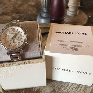 Michael Kors Silver Diamond Watch NWT NEW